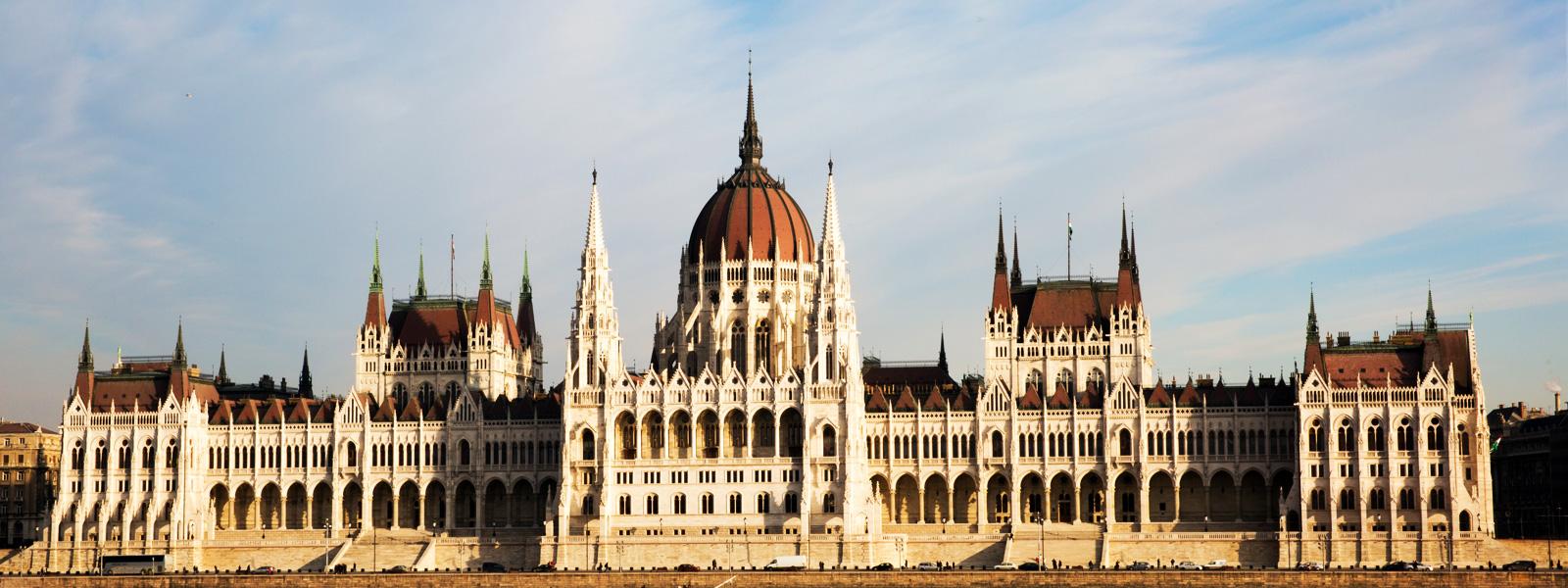 Aeroporto Ungheria : Viaggio in ungheria europa con noi