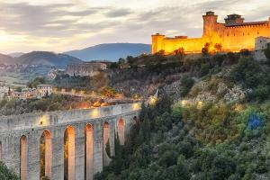Tour in pullman in Umbria: da Bologna a Orvieto