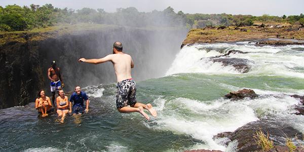 Le destinazioni più strabilianti del 2017 - Piscina del Diavolo - Victoria Falls